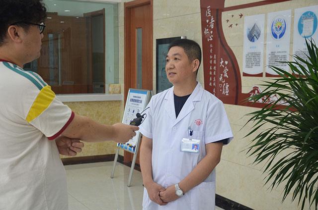 山西太原白癜风医院陈院长接受记者采访